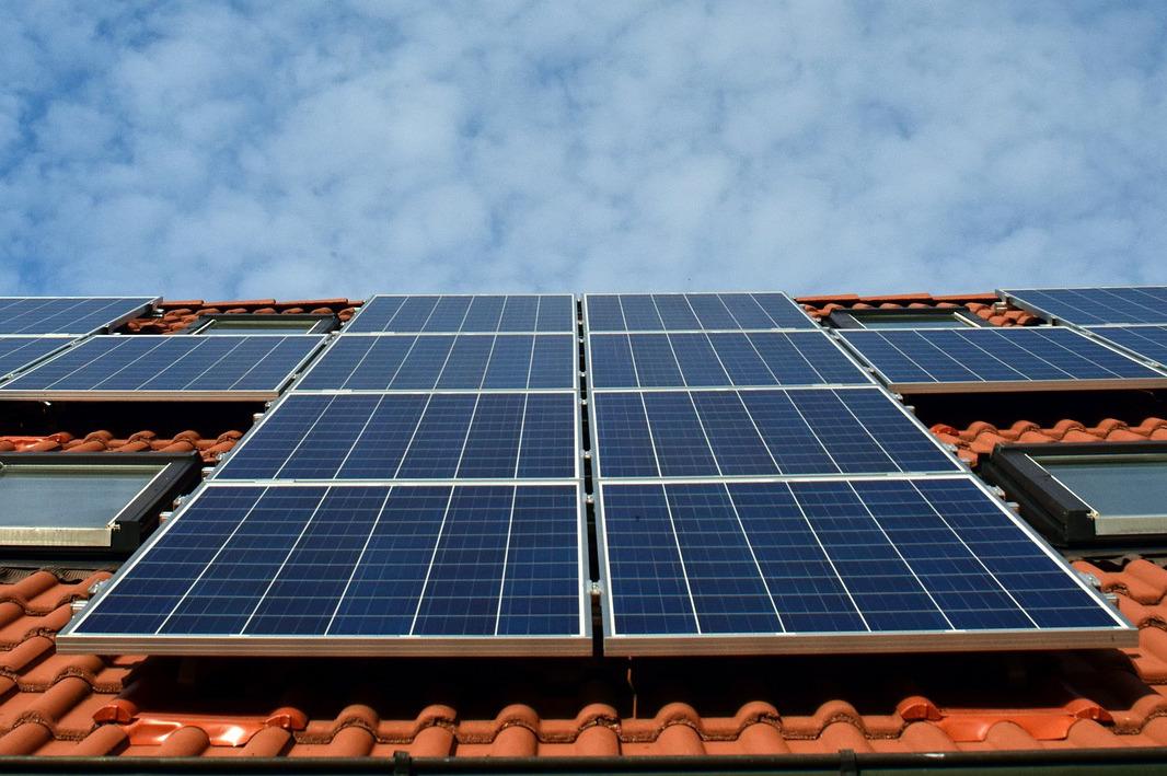 Éco-rénovation énergétique : aides, travaux, certification RGE et conditions
